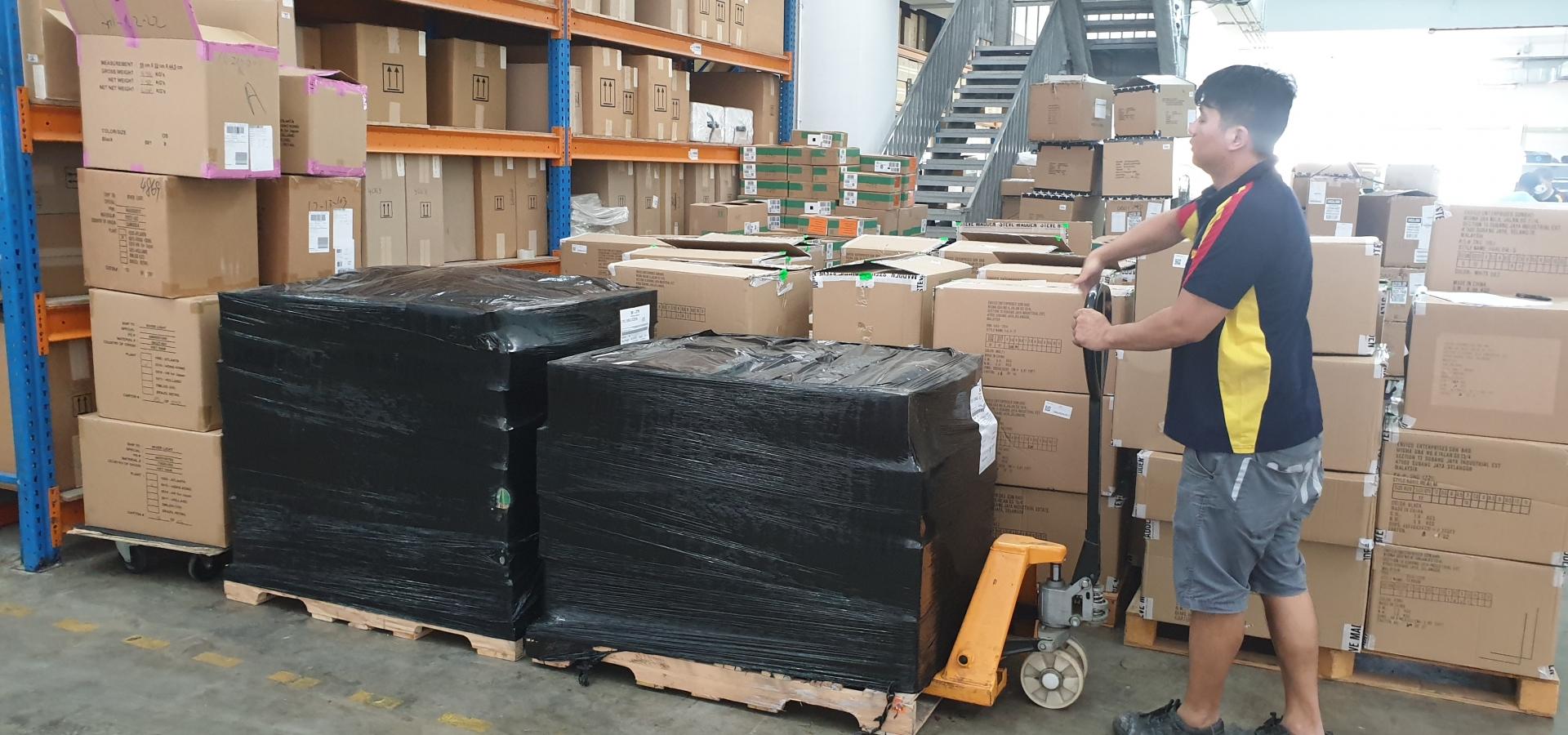 Devanning, Warehousing, Container